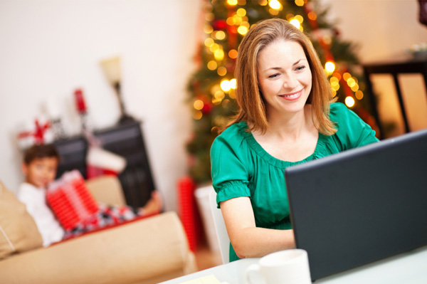 woman-shopping-online-retailers-christmas