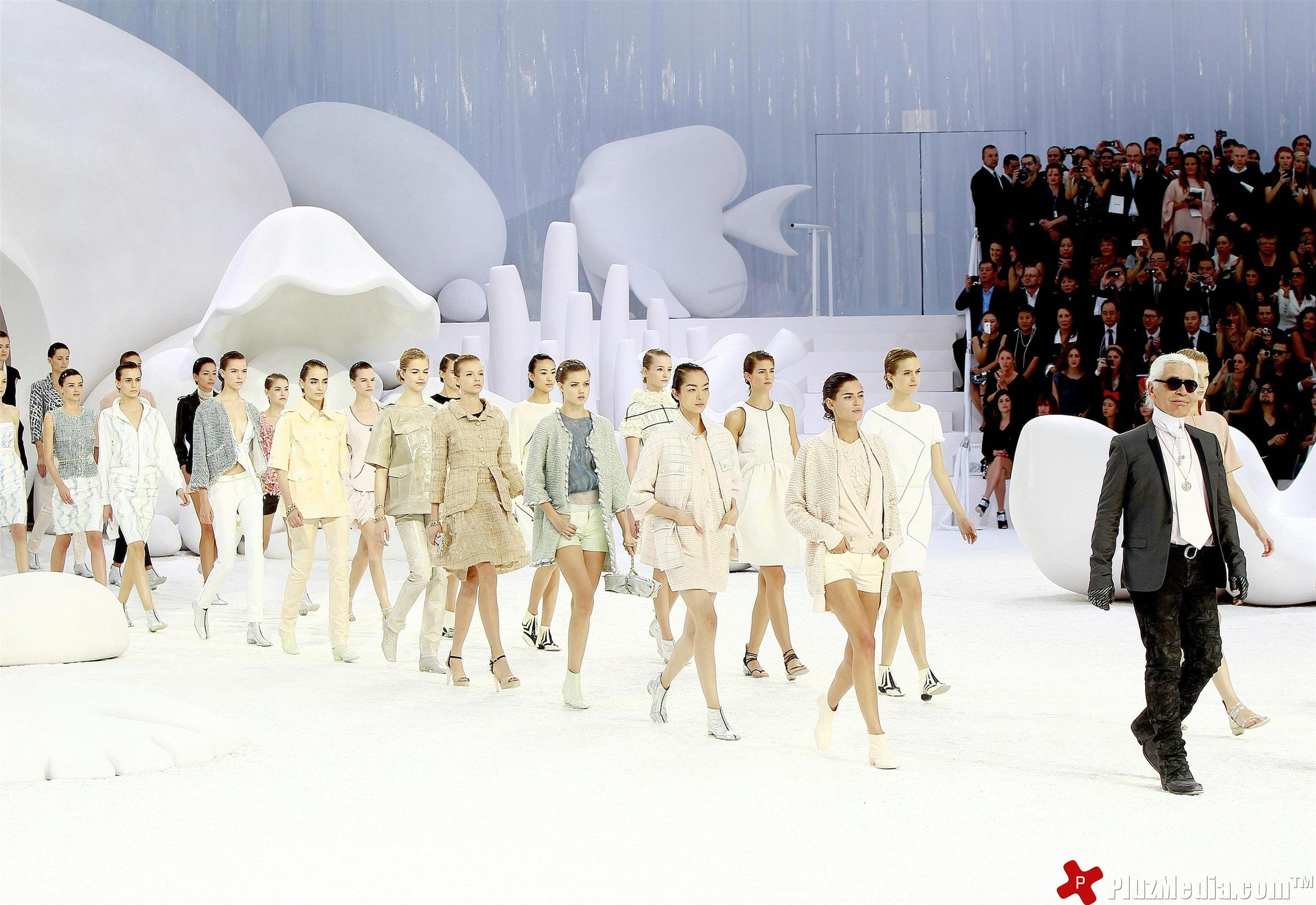 chanel-paris-fashion-week-cum-construiesti-un-brand-de-moda-extraordinar